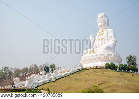 Thai-chinese Temple - Wat Hyua Pla Kang Is One Of The Most Famous Attractions Of Chiang Rai Province