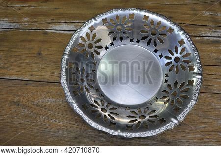 Tray Or Fruit Bowl Or Centerpiece In Antique Aluminum In Stainless Steel All Lacy And Embossed, Vint