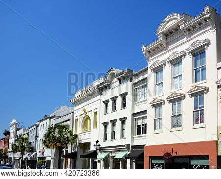 Charleston,sc - Usa - 04-19-2021: King Street In Charleston Sc -- Filled With Retail Shops And Resta