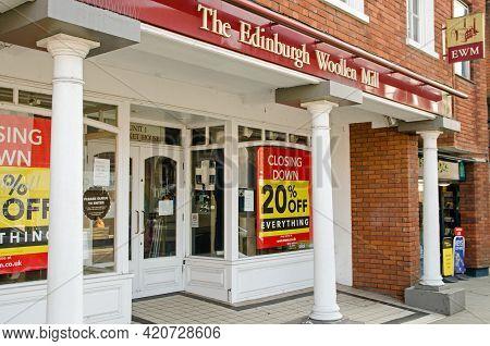 Wokingham, Uk - February 28, 2021: Closing Down Sale At The Wokingham Branch Of Clothes Retailer Edi