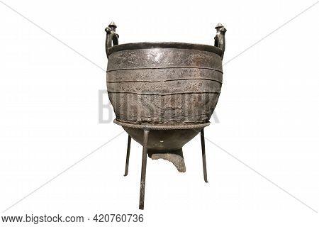 Bronze Cauldron Of The Scythians, Tagar Bronze Culture, Ancient Finds, Isolate