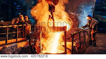 Cast Iron Process, Liquid Molten Metal Pouring In Ladle, Industrial Metallurgical Foundry Factory, H