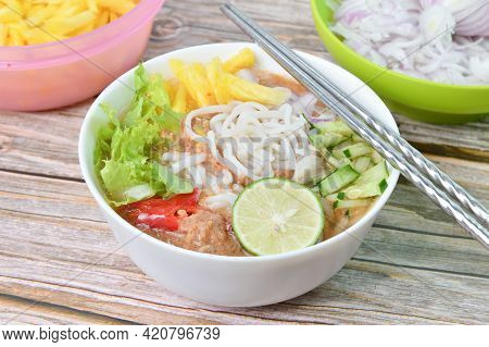 Assam Laksa (noodle In Tangy Fish Gravy). Special Malaysian Food Especially In Penang