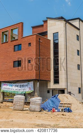 Daejeon, South Korea; May 2, 2021: Newly Constructed Multistory Building At Rural Construction Site.