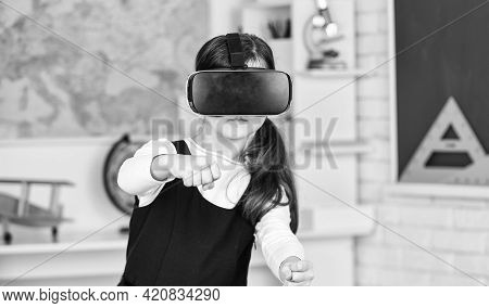 Virtual Classes. Driving Lessons. Science Class. Vr Technology. Schoolgirl Using Virtual Reality Hel