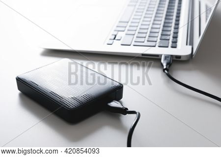 External Usb Disk, Hard Disk Drive Connected To Laptop