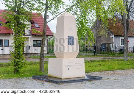 Cedry Wielkie, Poland - May 16, 2021: Monument To Commemorate The 100th Anniversary Of Poland Regain