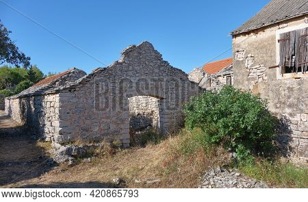 Humac Historic Medieval Mediterranean Village. Hisorical Authentic Museum Village On Hvar Croatia