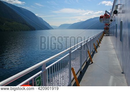The View From A Ferry As It Makes Its Way Through The Inside Passage In Canada. Nature And Travel Co