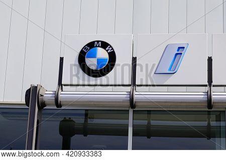 Bordeaux , Aquitaine France - 05 14 2021 : Bmw Car Logo Sign And Brand Text Of Shop Automobile Deale