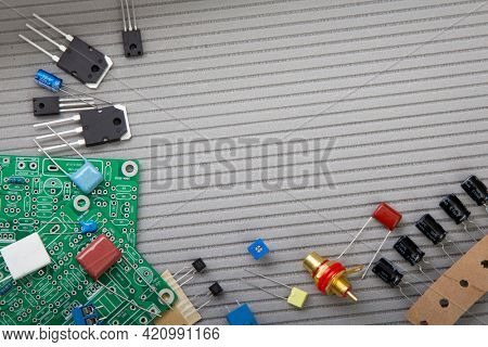 Electronic radio component for electric circuits, equipment and digital microchip - DIY kit for learning and development