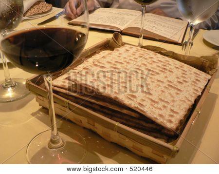 Seder Tble