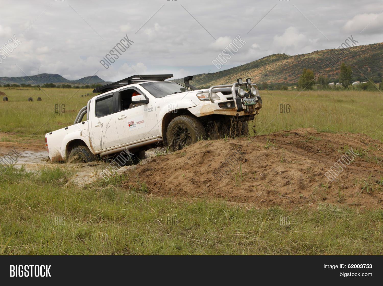Kelebihan Mazda 4X4 Spesifikasi