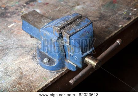 Old Blue Bench Vice