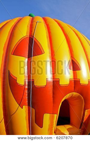 Scary Inflatable Hallowe'en Pumpkin