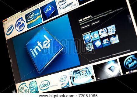 Belgrade - Januar 29, 2014: Google Image Search For Intel Logo Photos On Pc Screen