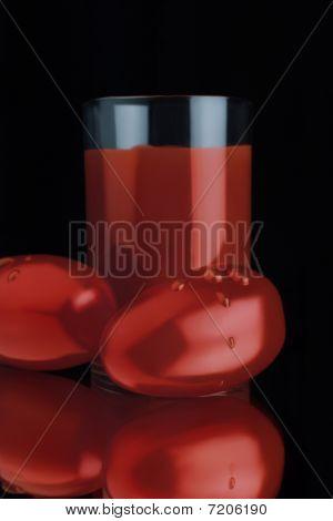 Tomato And Freshly Squeezed Tomato Juice