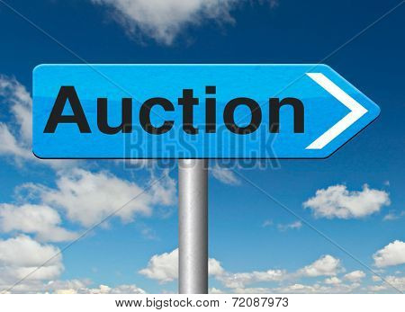 Auction of houses cars and real estate. Online bidding road sign