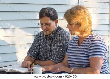 Estudio de la Biblia de parejas