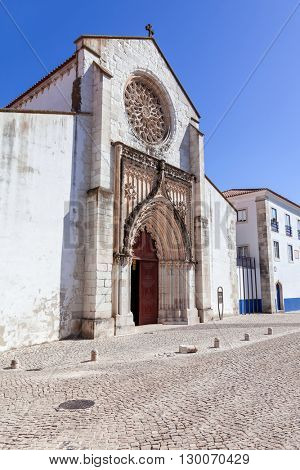 Santo Agostinho da Graca church, showing the largest Rose Window carved of a single slab of stone in Portugal. 14th and 15th century Mendicant and Flamboyant Gothic Architecture. Santarem, Portugal.