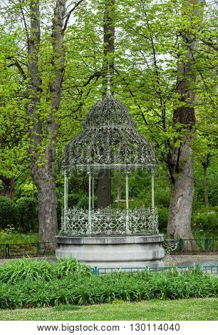 alcove in a spring park