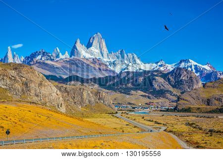 The white top of Fitzroy rocks covered the midday sun. Amazing Patagonia in February