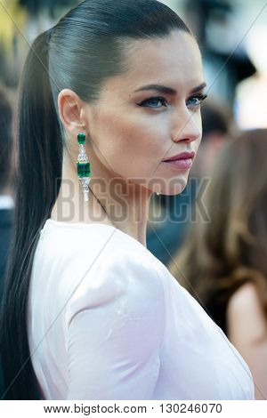 Adriana Lima  attends the 'Julieta' premiere at the 69th Festival de Cannes.