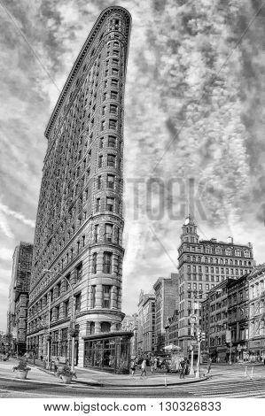 New York - Usa - 11 June 2015 Flatiron Building In Black And White