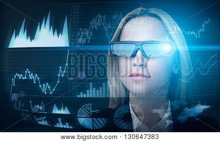 Fund manager in smart glasses managing stocks