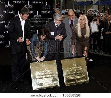 Rupert Everett, Peri Ellen Bern, Stephen Webb and Donatella Versace at the Gianni and Donatella Versace Receive Rodeo Drive Walk Of Style Award in Beverly Hills, USA on February 8, 2007.
