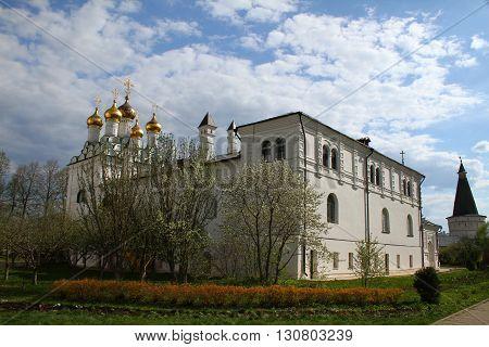 Church of the Epiphany and the refectory. Joseph-Volokolamsk Monastery. Russia, Moscow region, Teryaevo