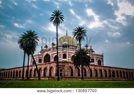 It was the first garden-tomb on the Indian subcontinent,