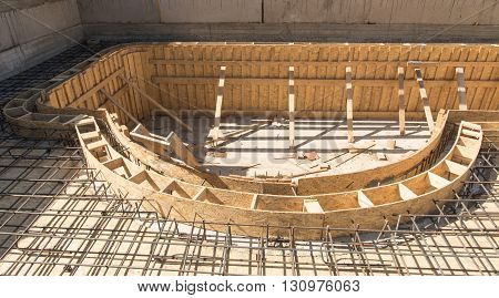 Swimming pool fitting construction with formworks in private house