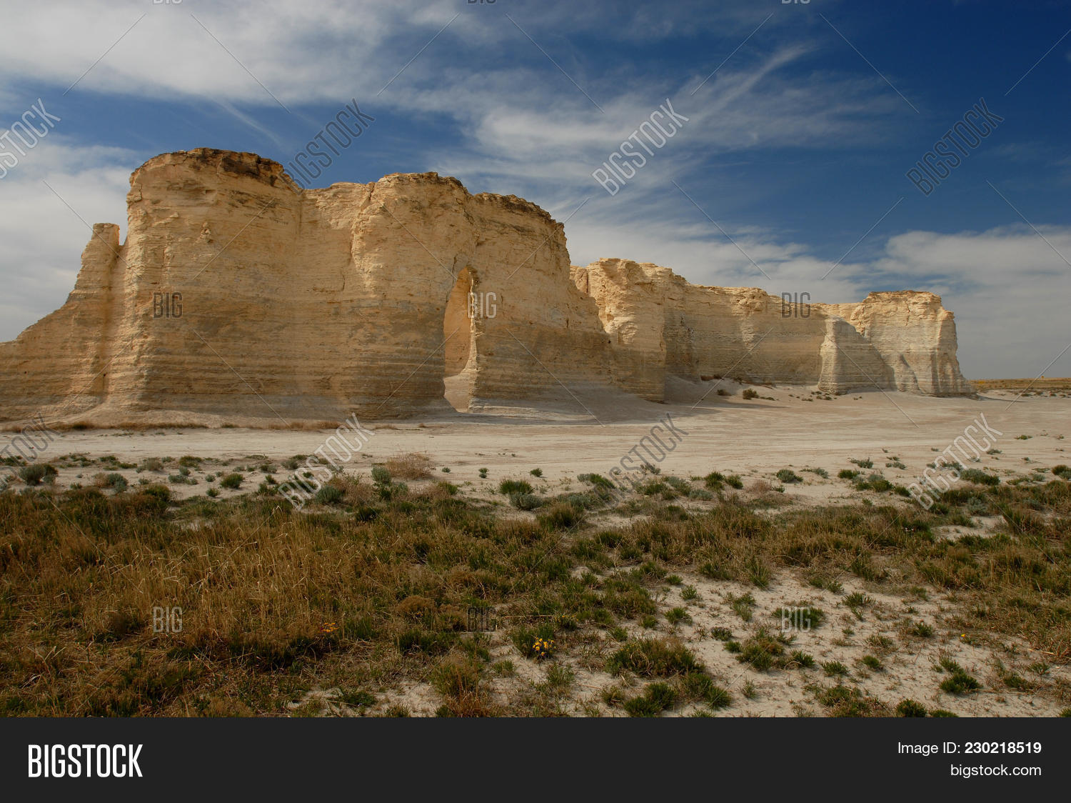 Monument Rocks Middle Image & Photo (Free Trial) | Bigstock
