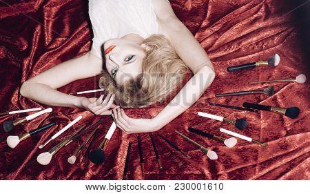 Beauty, Fashion, Cosmetics, Vintage. Makeup And Cosmetics, Skincare, Retro Woman. Vintage, Skincare,