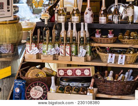 23 August 2017, Vienna, Austria:the Oldest In Vienna Is The Naschmarkt Market With Products Of Alcoh