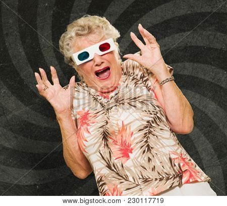 Afraid Senior Woman Watching 3d Movie Screaming On Wallpaper