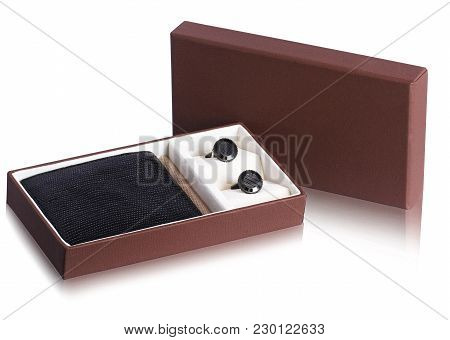 Awesome Leather Wallet And Earphone Gift Box. It Is An Ideal Gift For Birthday, Corporate Gifts, Chr