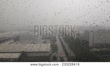 Rain Drops - On The Glass Surface, Heavy Rain, Gusts, Rain, Splash