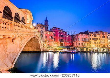 Venite, Italy  - Night Image With Ponte Di Rialto, Oldest  Bridge Spanning The Grand Canal, Venezia.