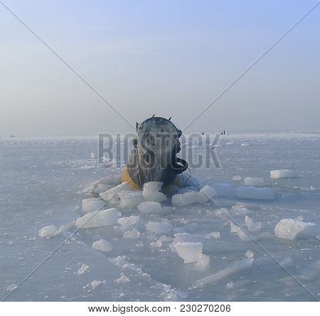 Rare Phenomenon, The Sea Has Become, The Temperature Is Minus Twenty-five Degrees, The Buoy Holds Th