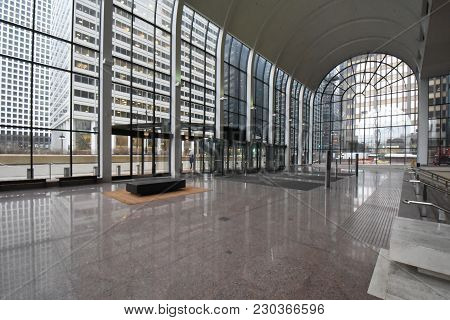 Willis Tower (formerly Sears Tower) Wacker Atrium Entrance Large Glass Windows, Curved Arched Ceilin