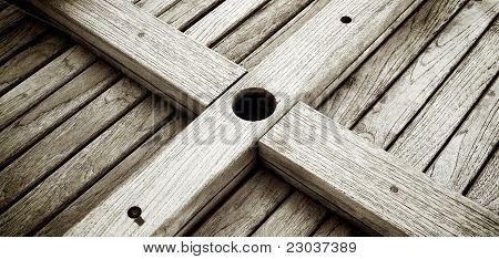 Table Bottom's Cross Bars