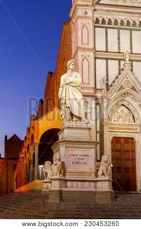 Monument To Dante Alighieri On The Square Of The Holy Cross At Dawn. Florence. Italy.