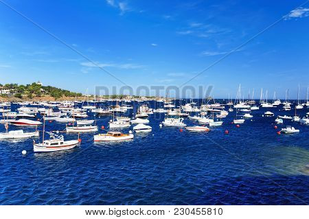 Cadaques, Spain - August 5, 2010: Motorboats At Cadaques Village On The Bay In The Mediterranean Sea