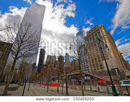 New York, Usa - April 24, 2015: Freedom Tower And The Street In Financial District, In Lower Manhatt