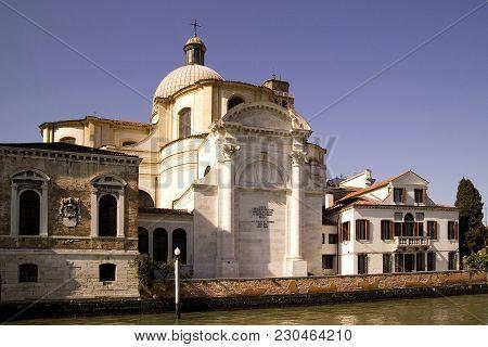 Basilica Die Santa Maria Della Salute  On Tre Grand Canal In Venice