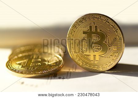 Bitcoin Digital Currency Buy Or Sell - Stock Image
