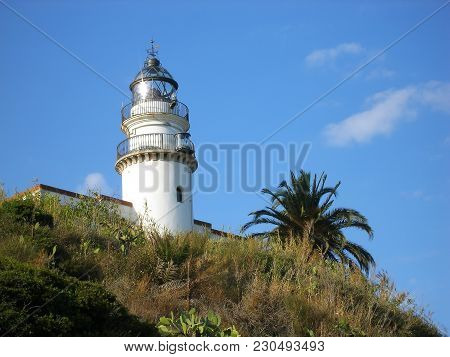 Beautyful Lighthouse On The Green Mountain Architecture