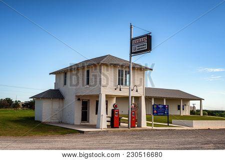 Historic Service Station Along Route 66 Near Hydro, Oklahoma